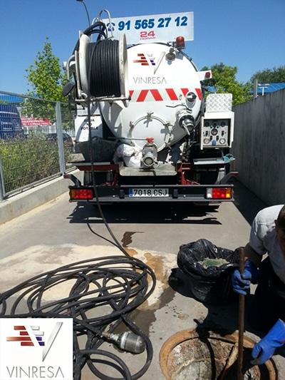 Camiones propios de Poceros en Madrid Vinresa